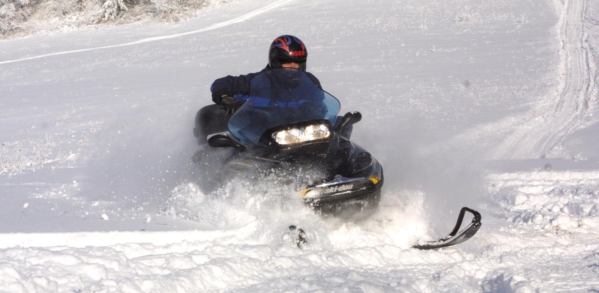 Испытания снегоходов
